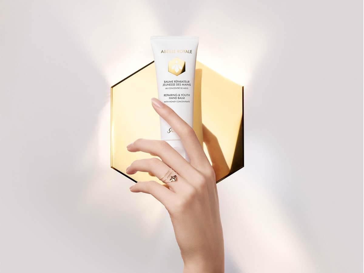 ゲランの人気スキンケアシリーズより清潔に美しい手肌へ導く新製品が登場