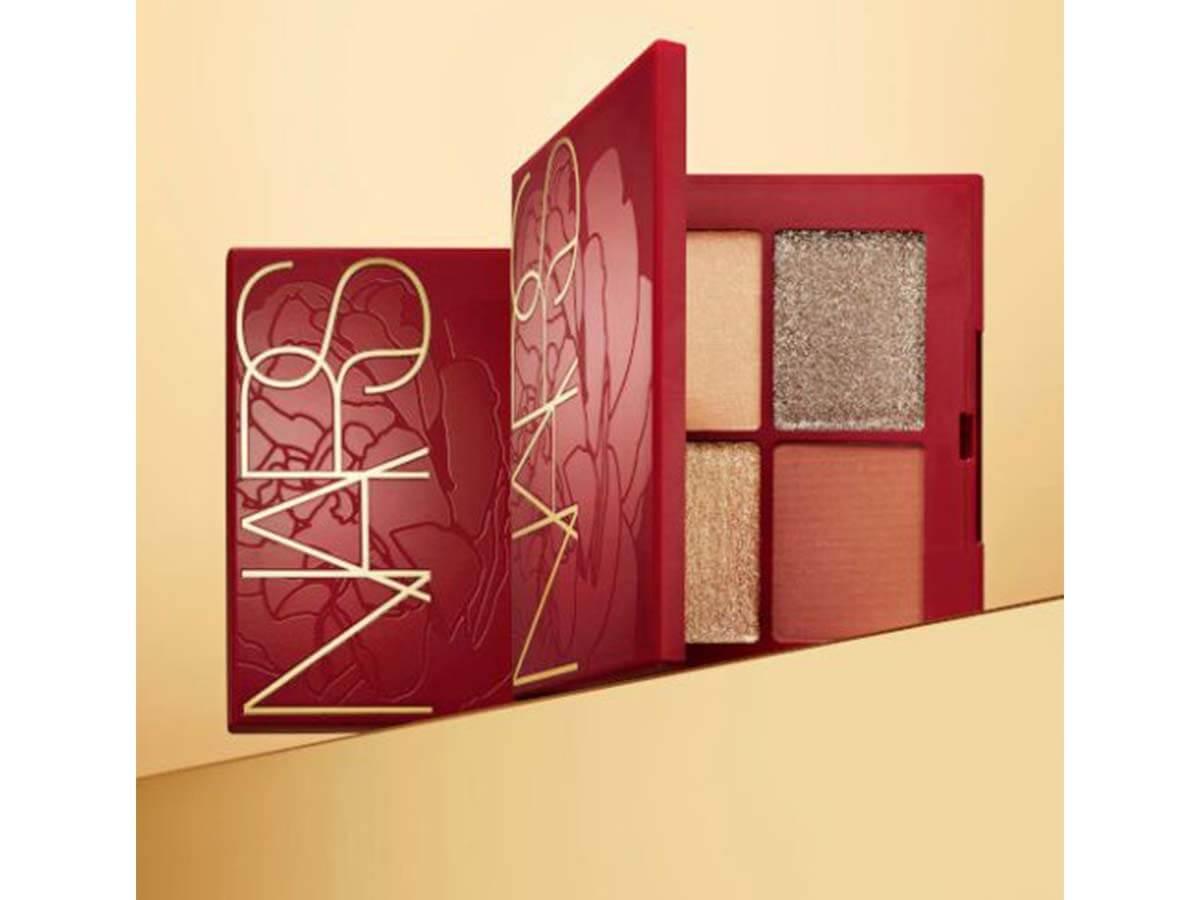 高級感あふれる赤パッケージ「NARS」新年限定コレクション発売